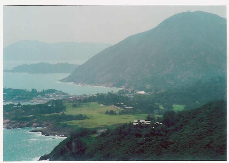 特色:  沿途的风景也不错,可以在山顶的观景处饱览港岛东部如杏花恏
